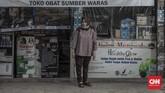 Penutupan kantor, tempat wisata, hingga hiburan karena PSBB Jakarta telah memengaruhi sejumlah pekerja informal yang turut menggantungkan hidup di sana.