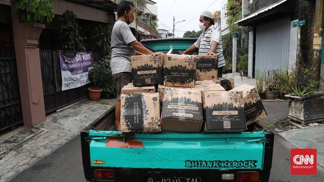 Presiden Jokowi menyebut anggaran pemulihan ekonomi nasional (PEN) untuk bansos baru 66 persen atau Rp134 triliun per 7 Oktober 2020.