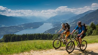 10 Tips Bersepeda Jarak Jauh yang Aman