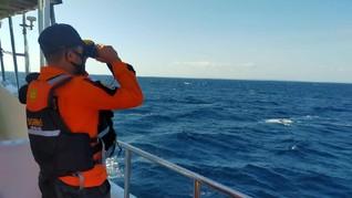 Kapal Pengangkut Semen Terbakar di Perairan Buton, Satu Tewas