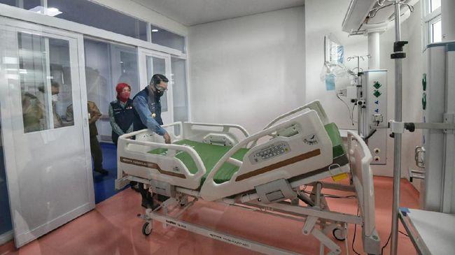 Peninjauan dilakukan Ridwan Kamil untuk memastikan kesiapan fasilitas perawatan di rumah sakit rujukan Covid-19, mulai dari IGD, ICU, HCU, hingga ruang isolasi.