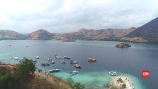 VIDEO: 'Island Hopping' di Labuan Bajo dengan Kapal Pinisi