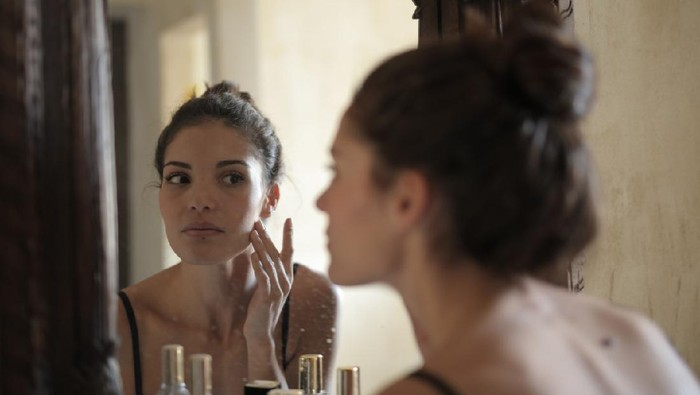 5 Rekomendasi Produk Skincare untuk Kecilkan Pori-Pori Wajah