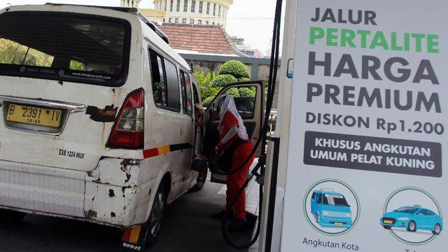 Harga BBM jenis Pertalite di Serang dan Banten turun dari harga normalnya Rp7.650 per liter, seiring dengan program Langit Biru Pertamina.