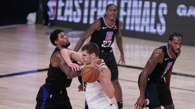 LA Clippers gagal bertemu LA Lakers di final wilayah barat NBA setelah takluk 89-104 dari Denver Nuggets pada gim ketujuh di Advent Health Arena, Selasa (15/9).