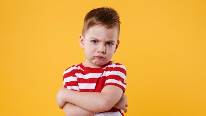 Mengapa Anak Cemburu Saat Melihat Ayah dan Ibunya Berdekatan?