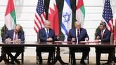 Israel, Uni Emirat Arab (UEA), dan Bahrain resmi menormalisasi hubungan mereka dengan menandatangani perjanjian Abraham Accords.