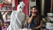 Warga Nekat Mudik Diadang 'Pocong dan Kuntilanak' di Ciamis