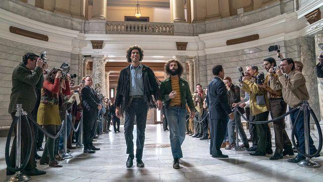 Sederet bintang Hollywood, mulai dari Sacha Baron Cohen hingga Joseph Gorden-Levitt, terlihat beraksi di ruang sidang dalam trailer The Trial of the Chicago 7.