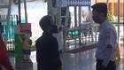VIDEO: Penumpang KRL Dilarang Gunakan Masker Scuba & Buff