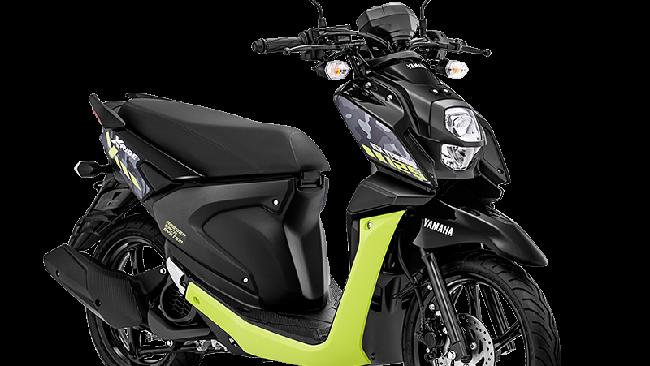 Yamaha X-Ride 125 disegarkan dengan pilihan warna bodi baru, kombinasi merah, putih, dan hitam.