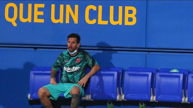 Presiden komite manajemen Barcelona Carles Tusquets menilai klub Catalunya itu semestinya sudah menjual Lionel Messi.