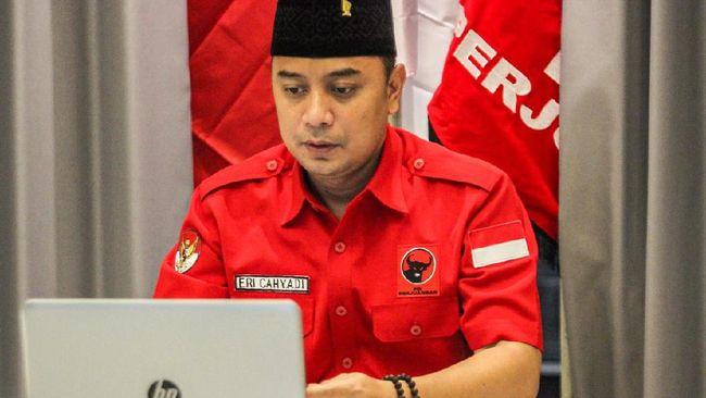 Cawalkot Pilkada Surabaya jagoan PDIP Eri Cahyadi menyambut baik hitung cepat yang membuat dirinya unggul sementara atas Machfud Arifin.
