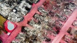 FOTO: Kompleks Perumahan di Oregon Habis Dilahap Api Karhutla