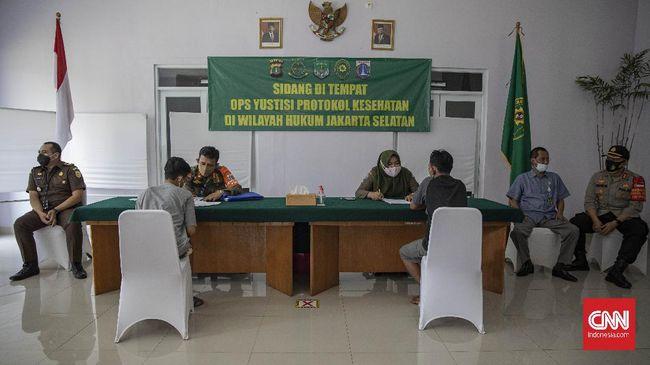 Jumlah denda pelanggar protokol kesehatan di masa PSBB jilid I di DKI Jakarta mencapai Rp257 juta.