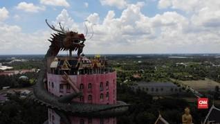 VIDEO: Mengunjungi Kuil yang Dililit Naga
