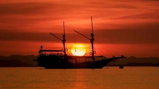 Pesona Sunset di Labuan Bajo