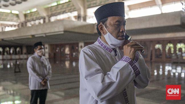 Pada 1978, Kementerian Agama mengatur penggunaan pengeras suara di masjid. Pengeras suara yang digunakan ke luar hanya untuk mengumandangkan azan.
