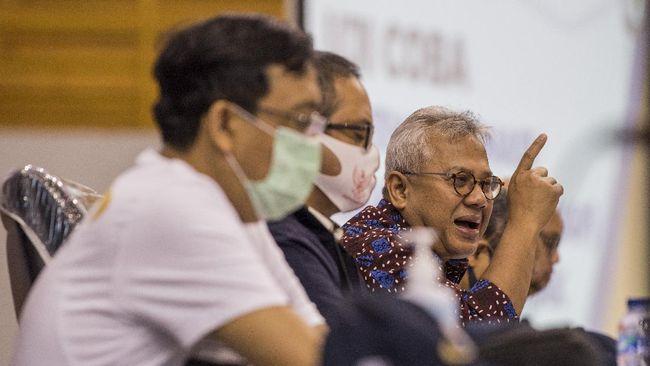 Desakan menunda Pilkada 2020 terus digaungkan demi aspek keselamatan kesehatan masyarakat, ketahanan ekonomi, dan kualitas demokrasi.