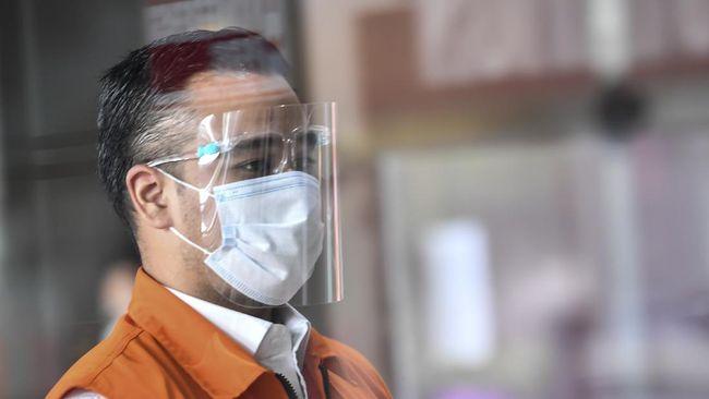 Terdakwa kasus suap Rezky Herbiyono disebut meminjam KTP kaka ipar untuk membeli lahan sawit di Sumut.