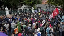 Demo Thailand, Massa Tak Gentar Hadapi Polisi Antihuru-hara