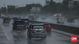 Rekomendasi Kecepatan Maksimal Nyetir Mobil Saat Hujan