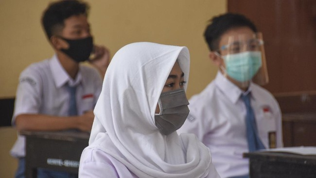 Perjalanan SKB 3 Menteri Seragam Sekolah hingga Dibatalkan