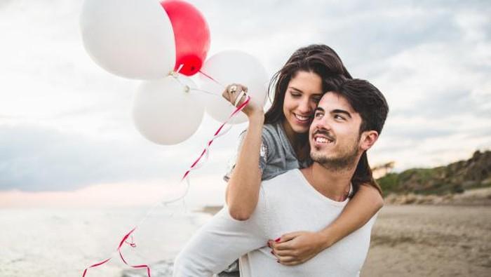 7 Rekomendasi Kado Anniversary untuk Pasangan