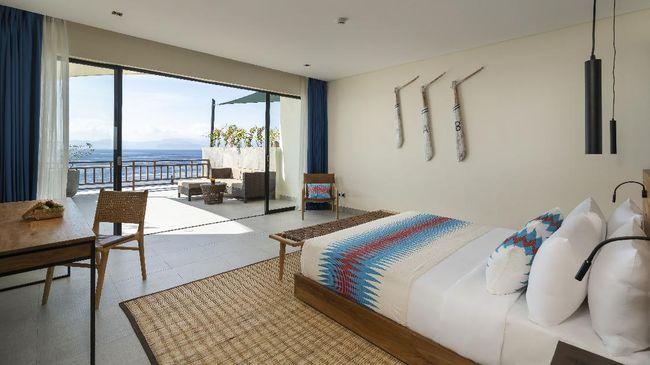 Bagi yang ingin menjelajah bawah laut Bali, hotel di Nusa Penida dengan dive center PADI ini bisa dijadikan pilihan bermalam.
