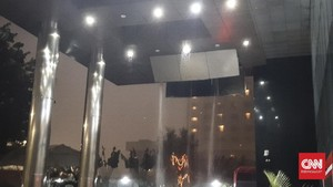 Hujan Deras, Atap Gedung KPK Baru Jebol