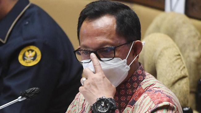 Mendagri Tito Karnavian membentuk Tim Pemantauaan Pelaksanaan Pilkada Serentak 2020, sembilan hari menjelang hari pencoblosan.
