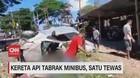 VIDEO: Kereta Api Tabrak Minibus di Pasuruan, 1 Tewas