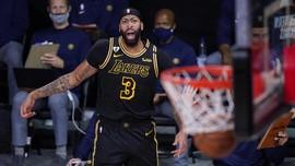 FOTO: Buzzer Beater Davis Bawa Lakers Unggul 2-0