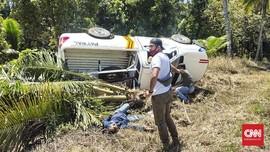 Mobil Pol-PP Penjemput Pasien Covid Tabrak Pohon, Satu Tewas