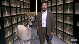 5 Momen Kocak Emmy Awards Kala Pandemi