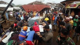 FOTO: Korban Banjir Bandang Sukabumi