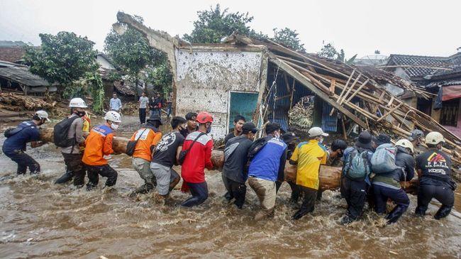 Kepala BNPB Doni Monardo menyebut Indonesia tengah menghadapi anomali bencana akibat perubahan iklim yang cukup drastis.