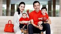 <p>6. Meski tidak berasal dari kalangan selebriti, sejak menikah dengan Sandra Dewi, Harvey Moeis kini diketahui memiliki banyak penggemar lho, Bunda. (Foto: Instagram @sandradewi88)</p>