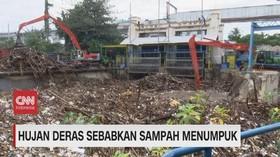 VIDEO: Hujan Deras Sebabkan Sampah Menumpuk
