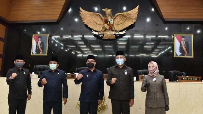 Menurut Gubernur Jabar Ridwan Kamil, KUPA-PPAS Perubahan APBD Tahun 2020 difokuskan untuk pemulihan ekonomi dan sosial akibat pandemi Covid-19.