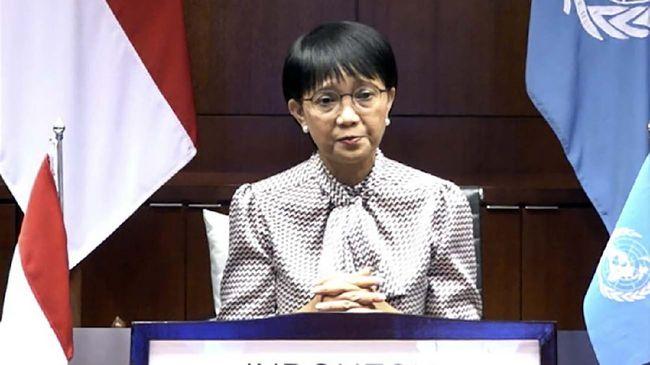 Menlu Retno menyatakan kesepakatan kerja sama di bidang militer RI-AS dimulai dari kunjungan Menhan Prabowo ke Negeri Paman Sam beberapa pekan lalu.