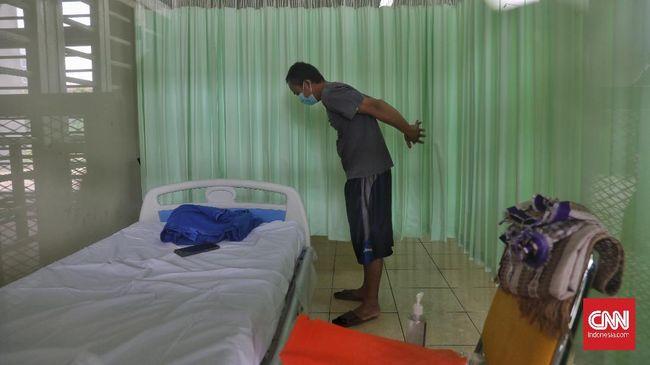 Pemprov DKI yang sempat melarang pasien positif corona melakukan isolasi mandiri di rumah, saat ini menarik larangan tersebut.