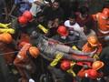 VIDEO: Evakuasi Korban Bangunan Runtuh di India, 15 Tewas