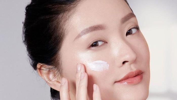 7 Produk Sunscreen Terbaik dari K-Beauty Brand