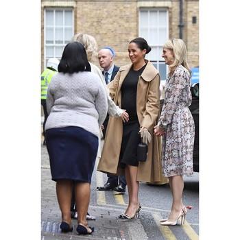 Dan tentu saja, outfit termahal yang pernah dikenakan Meghan Markle adalah gaun pernikahannya saat ia menikahi Pangeran Harry pada 19 Mei 2018 silam. Gaun yang dirancang eksklusif oleh Claire Waight Keller dari rumah mode Givenchy ini kabarnya menelan biaya mendekati US$265,000 atau setara dengan Rp3,7 milyar. (Foto: instagram.com/theroyalfamily)