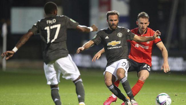 Manchester United mengalahkan Luton Town 3-0 di babak ketiga Piala Liga Inggris, Rabu (23/9) dini hari WIB. Berikut hasil lengkap Piala Liga Inggris.