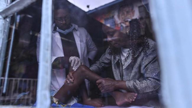 Terlahir sebagai difabel, masa depan anak-anak di Kenya terancam suram. Namun mereka menemukan surga kegembiraan pada suatu pusat rehabilitasi.