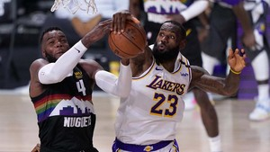 FOTO: Nuggets Jegal Lakers di Gim Ketiga