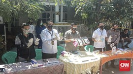 Klinik Kecantikan Ilegal Digrebek, Polisi Sita Obat Penenang
