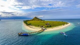 8 Wisata di Sumbawa, Pink Beach sampai Air Terjun Putri Diana